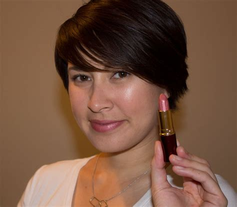 Whats Lipstick The Scoop On Charlize And Katharines Shades by Devita Absolute Pink Diamonds Lipstick Product Review