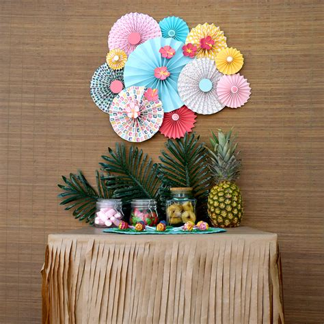 como hacer decoraciones con papel c 243 mo hacer adornos de papel para fiesta tropical up