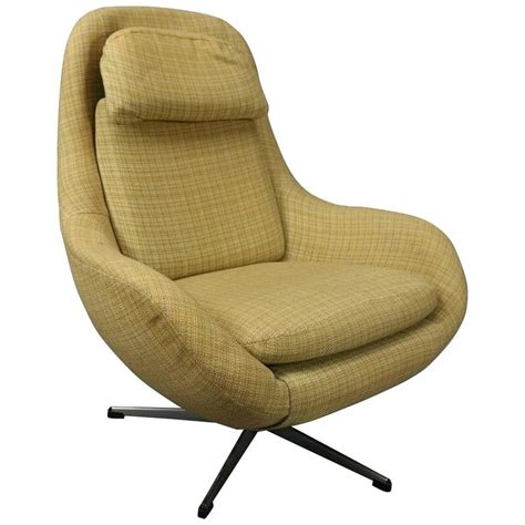 Vintage Mid Century Modern Knoll Style Upholstered Swivel Swivel Club Chairs Upholstered