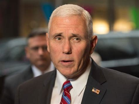 Indiana Records Request Mike Pence No Comparison Between His Clinton S Use Of Emails