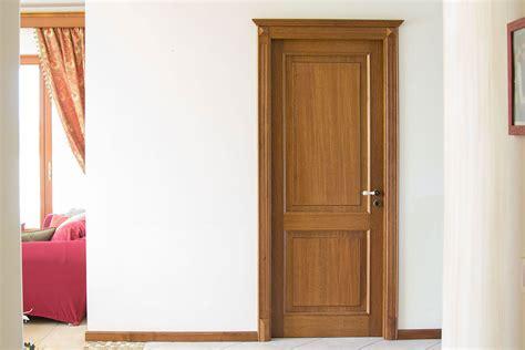 mobili di lorenzo porta di rovere in stile classico falegnameria di lorenzo