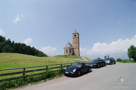 ufficio turismo alpe di siusi passeggiata alla chiesetta di avelengo alto adige per