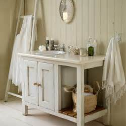 Cottage Style Bathroom Vanities 25 Best Ideas About Cottage Style Bathrooms On Pinterest Cottage Style Decor Cottage Style
