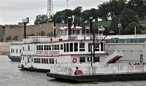 mississippi river boat cruise st louis st louis mississippi river boat ride hilton mom voyage