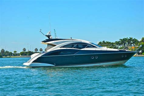 rent boat overnight miami rent a marquis marquis 40sc 43 motorboat in miami fl on
