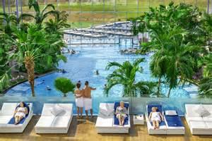 hotel schwarzwald schwimmbad angebote badeparadies schwarzwald mit 220 bernachtung