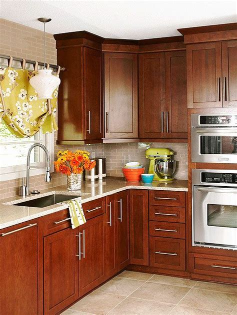 kitchen cabinets cherry 25 best ideas about cherry kitchen cabinets on pinterest