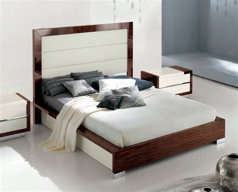 alf italian bed sogno modern leather bed   italy