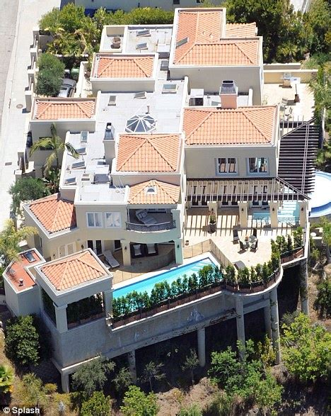 lady gaga house lady gaga rents 5m bel air mansion for 25 000 a month daily mail online
