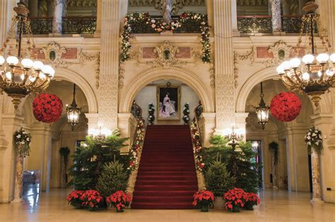 newport mansions christmas decorating