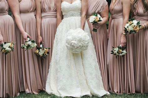 theme of rose cheeked laura cream and pink wedding theme images wedding decoration ideas