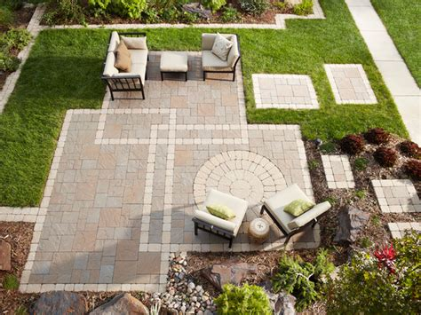 Backyard Stone Patio Ideas Seeing A Pattern Paver Patio Edging And Stepping Stones