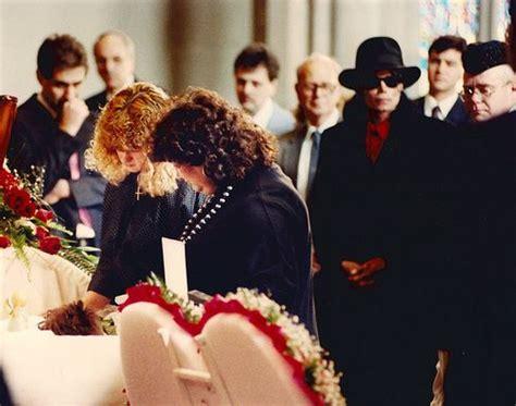 elton john indianapolis this day in rock history april 11 1990 elton john
