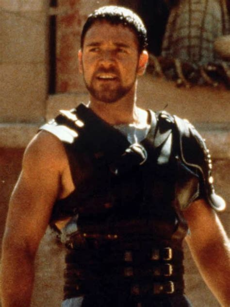 gladiator film russell crowe aussie actor russell crowe debuts fuller figure on the