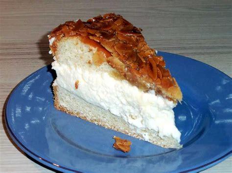 bienenstich kuchen mit hefeteig bienenstich rezept mit vanille sahnecreme f 252 llung