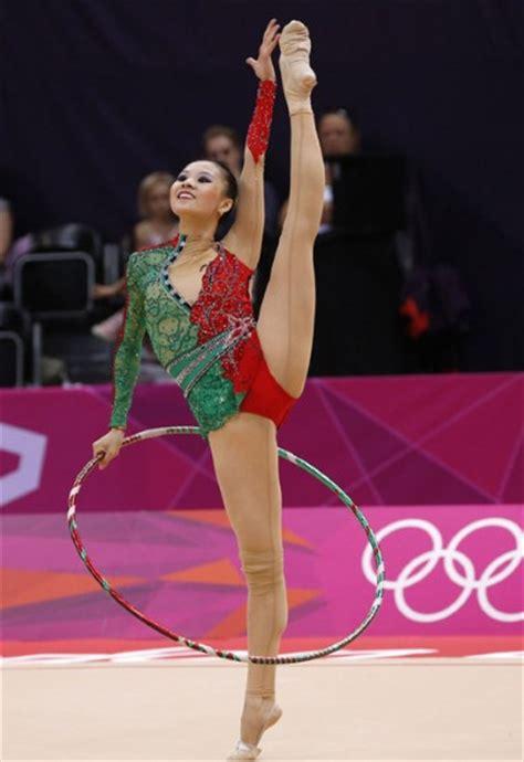 Russ Camel 2 Others 2012 olympics fashion minute rhythmic gymnastics