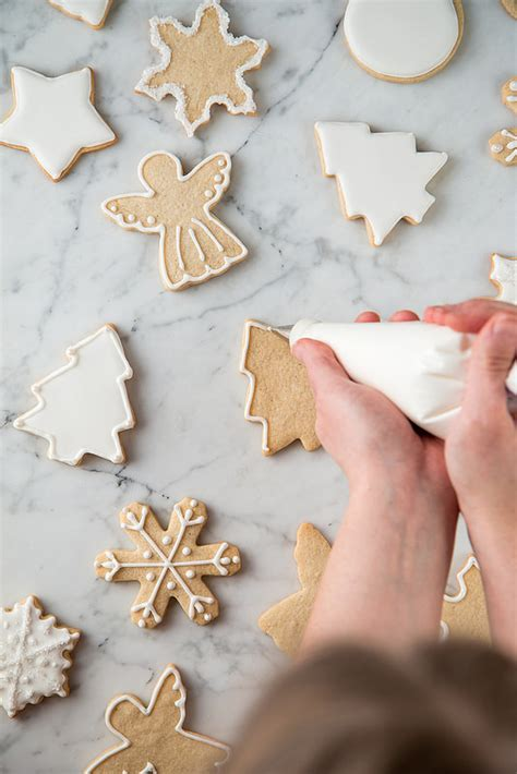 decorating with royal icing decorating with royal icing sugar cookie 101 will cook
