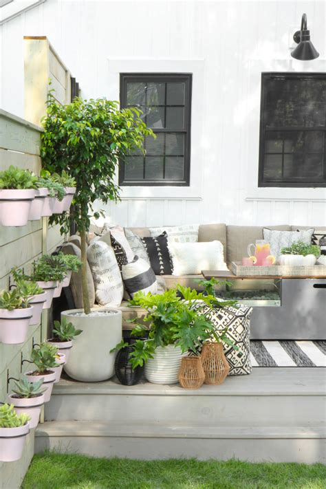 Patio Room Ideas by 15 Amazing Outdoor Patio Ideas The Garden Glove