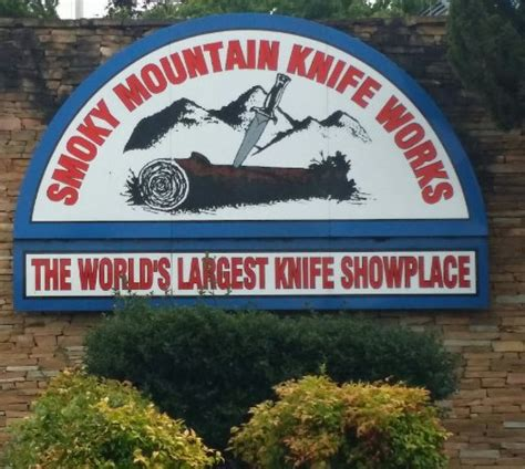 knife store in sevierville tn store front bild smoky mountain knife works