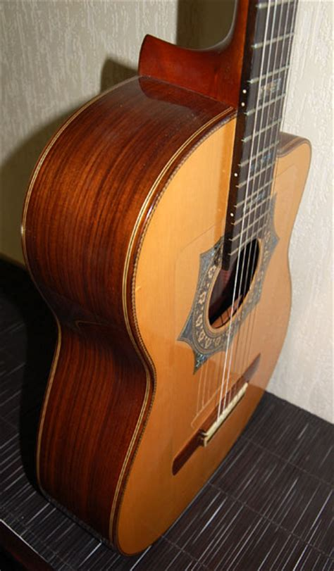 Handmade Classical Guitars Uk - 2001 luthier jorge pasaye unique handmade custom cutaway