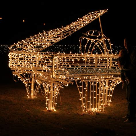 8tracks radio a piano by the christmas tree 19 songs