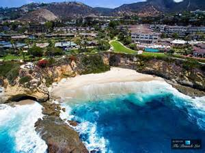Exceptional Laguna Beach Luxury Real Estate #1: 02-45-Million-Luxury-Residence-11-Montage-Way-Laguna-Beach-CA-967x725.jpg