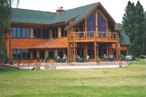 the cabins in the black are for families