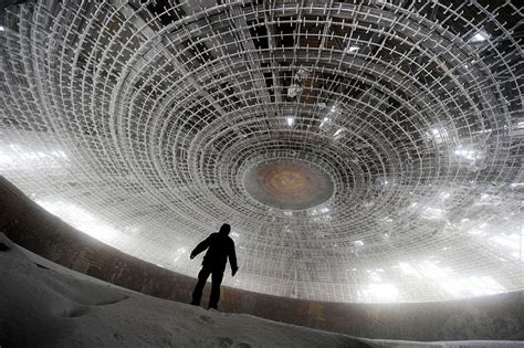 best abandoned places 31 haunting images of abandoned places that will give you