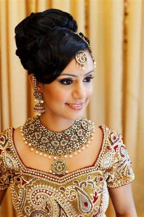 Wedding Hairstyles For Hair In Indian by Hair Do Medium Hair On Indian Attire Hairstylegalleries