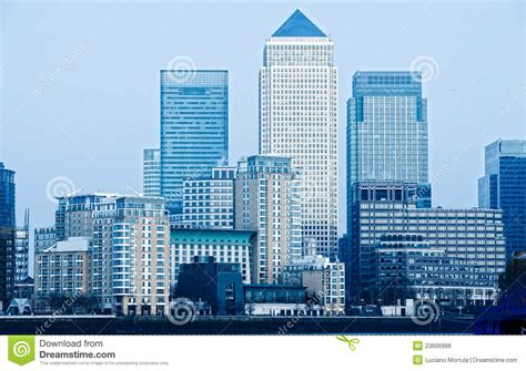 bus canary wharf stock photos bus canary wharf stock canary wharf london uk royalty free stock photos image