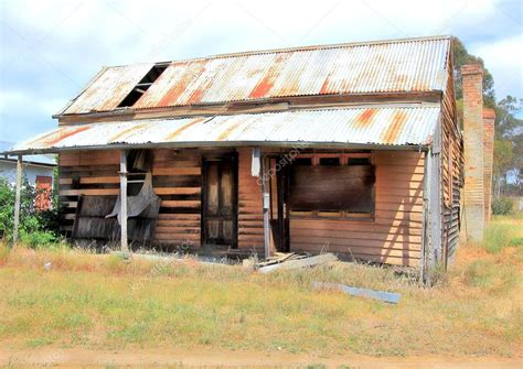 run of house old run down australian farm house stock photo 169 kez53
