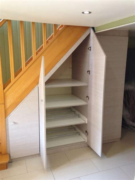 comment faire un placard sous escalier 4497 placard et dressing sous pente et comble sur mesure