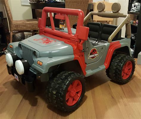 jurassic jeep blue jurassic park power wheels jeep dinosaur wrangler technabob