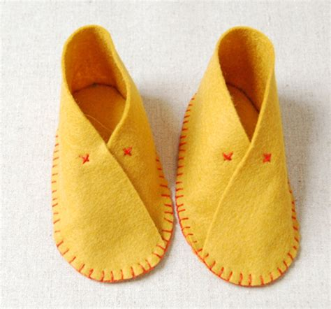 diy baby shoes the cutest diy felt baby shoes kidsomania