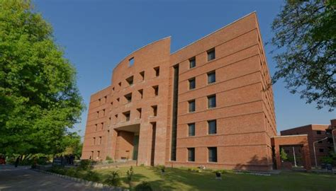 Lums Mba World Ranking by Pakistan S Sdsb Ranked Amongst Top Global Business Schools