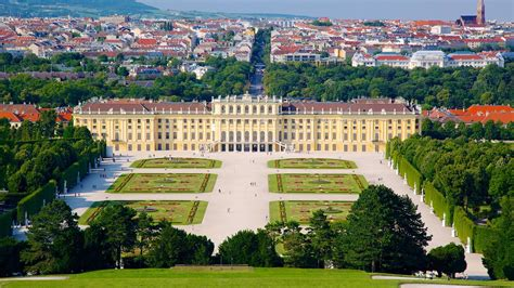 Schoenbrunn Palace in Vienna,   Expedia.ca