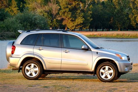 Toyota Rav4 2004 2004 Toyota Rav4 Reviews Specs And Prices Cars