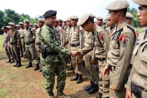 Rompi Polisi Pamong Praja 1 gubernur lung hadiri pembukaan pelatihan polisi pamong