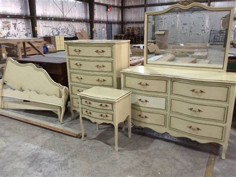 Drexel Bedroom Set by Six Vintage Drexel Provincial Bedroom Set