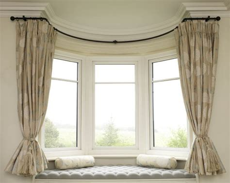 curtain pole for bay window uk 1000 ideas about bay window pole on pinterest bay