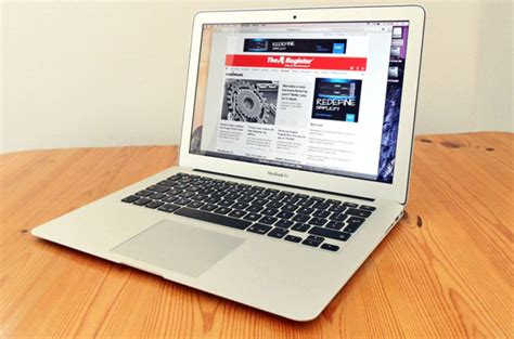 Pasaran Macbook Air 13 Inch apple s 13 incher will still cost you a bomb macbook air 2015 the register