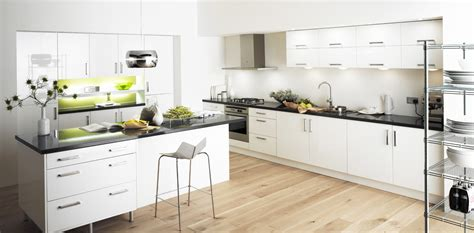 white kitchen cabinet for great looking kitchen decor