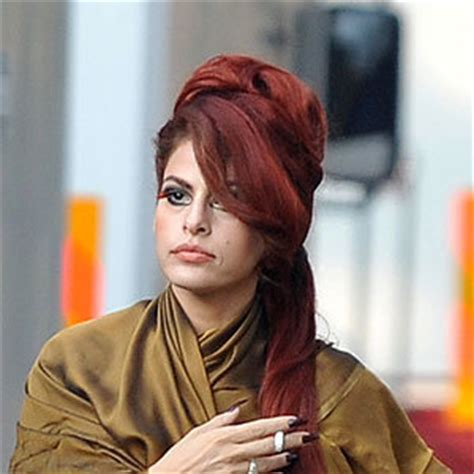hot hair colour eva mendes dyes  hair red instylecouk
