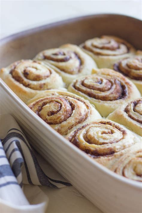 Cinnamon Rolls With Cheese Frosting overnight cinnamon rolls with cheese frosting