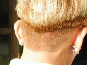 back picture of wedge haircuts wedge haircut from back globezhair