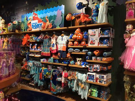 Disney Store City Floor - dan the pixar fan events disney store finding dory merch