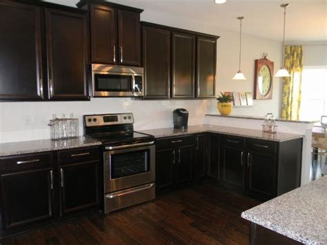 Timberlake Kitchen Cabinets by Timberlake Tahoe Maple Espresso Cabinets These Are Our