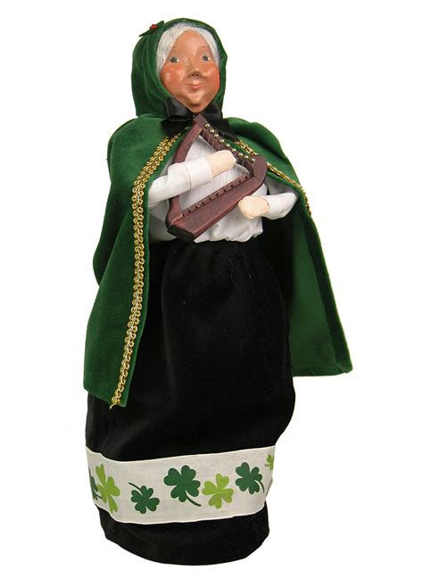 byers choice ltd st patrick s day carolers and kindles