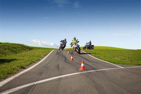 Adac Motorrad Fahrsicherheitstraining Inhalt motorrad kurven und schr 228 glagen