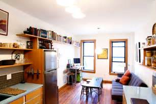 how large is 400 square feet lauren s tiny 400 square foot cozy apartment green tour